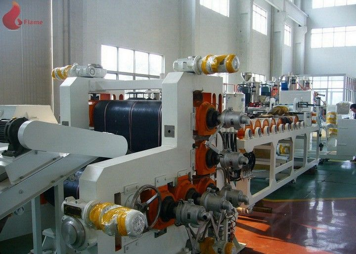 720 mm width Five Rollers PVC Calender Machine With PLC control touch screen